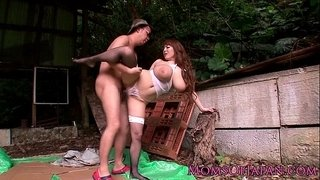 Mature-Hitomi-Tanaka-pounded-outdoors