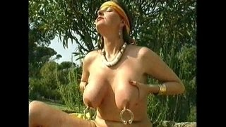 xshake.net-Pierced-Nipples-And-Pussy
