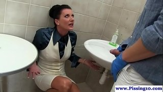 Glamorous-pee-babe-cocksucking-in-bathroom