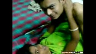 Naughty-Indian-Couple-In-A-Sex-Tape
