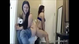 Two-girls,-one-toilet