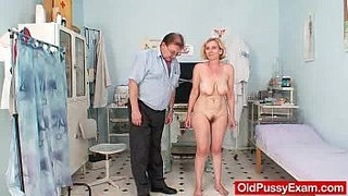 Unshaved-twat-mother-Tamara-embarrassing-doctor-examination