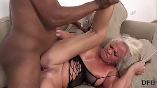 Mature-sexual-anal-screaming-wants-that-big-cock-in-ass-pussy-deep-cum-swallow