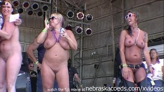 hot-women-with-big-fucking-tits-fully-nude-in-this-hot-body-contest-abate-iowa