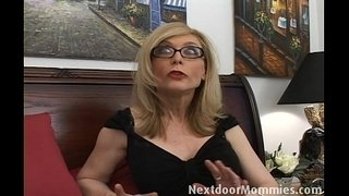Naughty-cougar-love-to-give-handjobs
