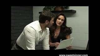 Boss-Seduces-His-Secretary-in-the-Office