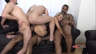 Wild-Milf-Bianca-Ferrero-intense-interracial-5-man-all-holes-Penetration
