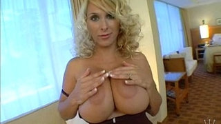 hollys-hot-cougar-pussy