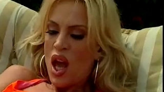 Hot-Milf-Amber-Lynn-Fucked-outdoors-for-messy-facial!