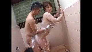 Japanese-Mom-with-big-boobs-shower
