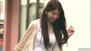 Yui-Hatano---Coming-Home-From-Work-01
